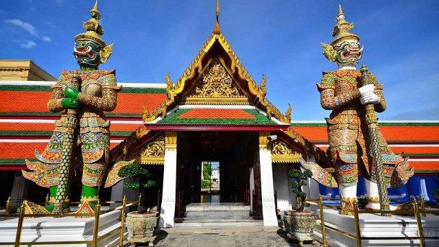 Ворота храма Изумрудного Будды в Бангкоке