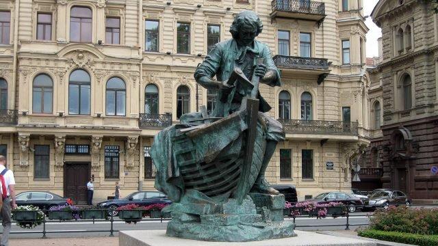Голландский памятник Петру Первому в Петербурге