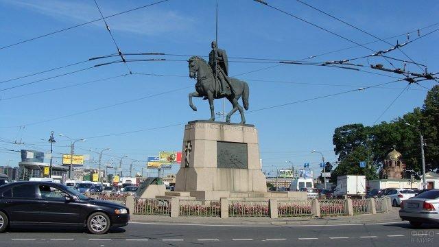 Памятник Александру Невскому на одноимённой площади в Санкт-Петербурге