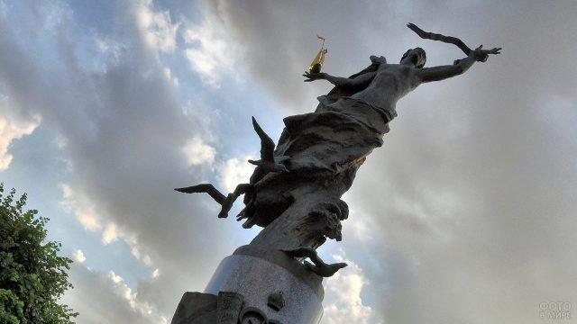 Памятник Морякам и создателям флота России в Санкт-Петербурге