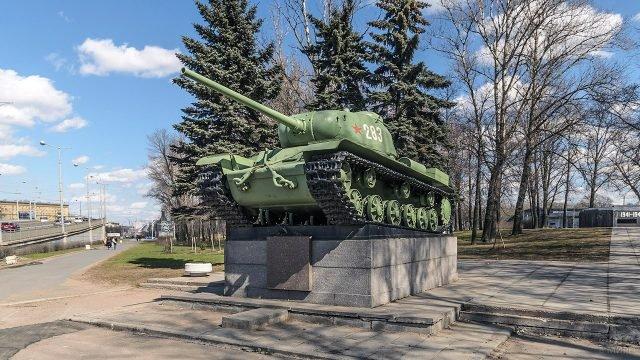Памятник Танк-победитель в Санкт-Петербурге