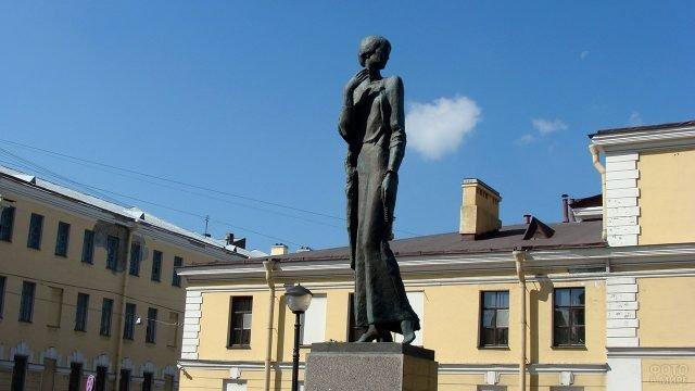 Петербургский памятник Анне Ахматовой