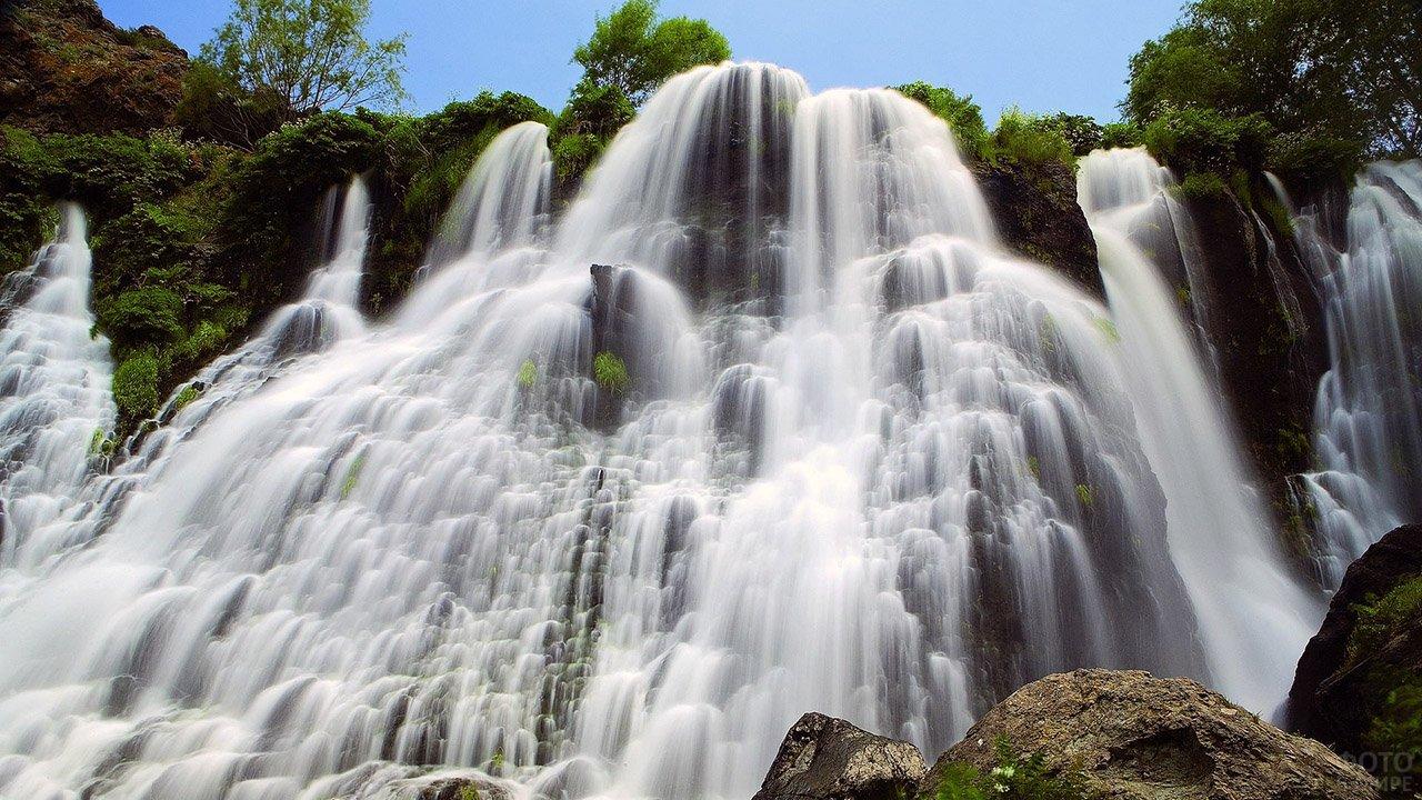 Шакинский водопад в Армении