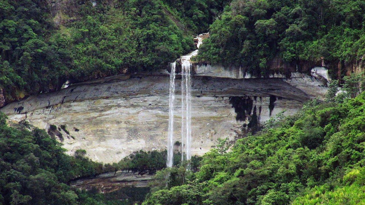 Водопад Умбила в Перу