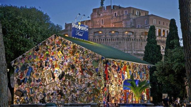 Отель из мусора в Мадриде