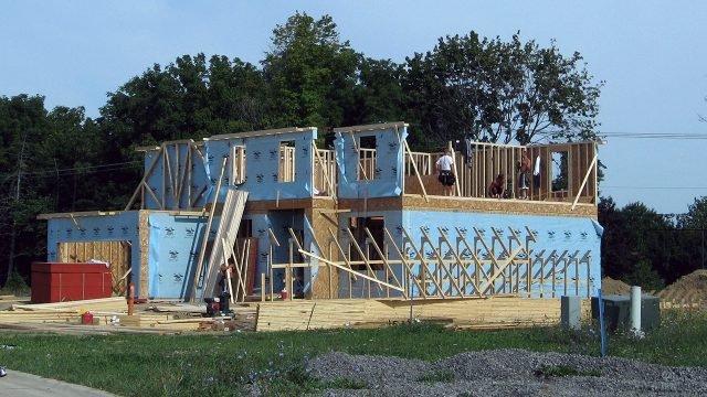 Строительство дома из переработанного пластика