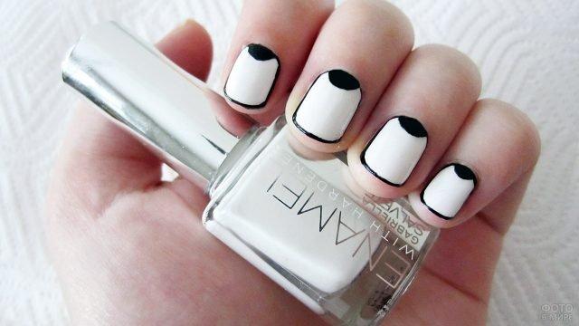 Чёрно-белый круговой френч на коротких ногтях своими руками