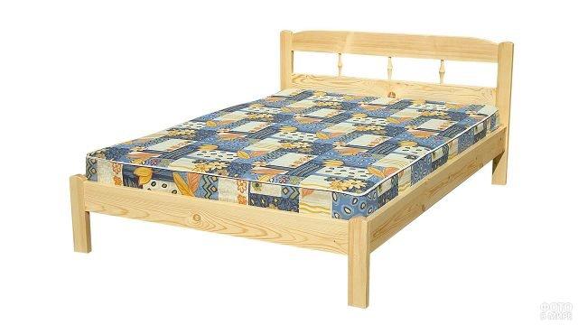Двуспальная деревянная кровать из сосны