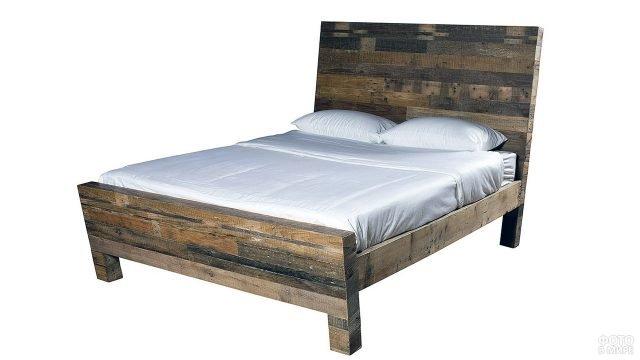 Кровать из дерева в эко-стиле