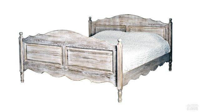 Кровать из массива дерева в стиле прованс