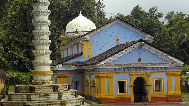 Храм в Саптакотишваре на Гоа
