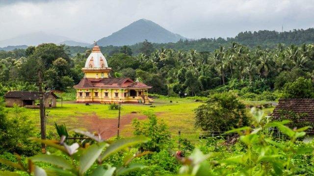 Индуистский храм в джунглях Гоа