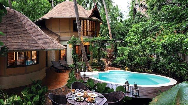 Семейная вилла в тропическом стиле на юге Тайланда в городе Краби