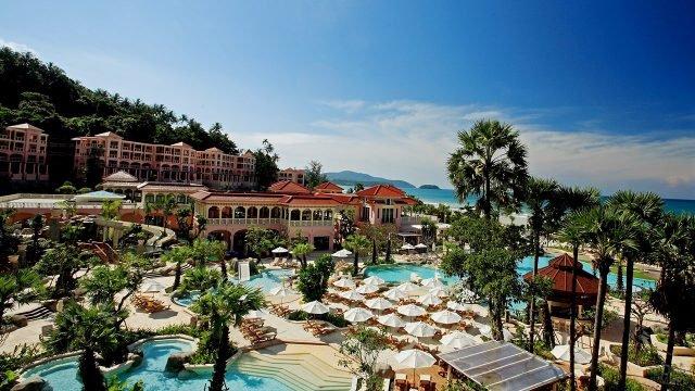 Территория отеля в прибрежной зоне на Пхукете