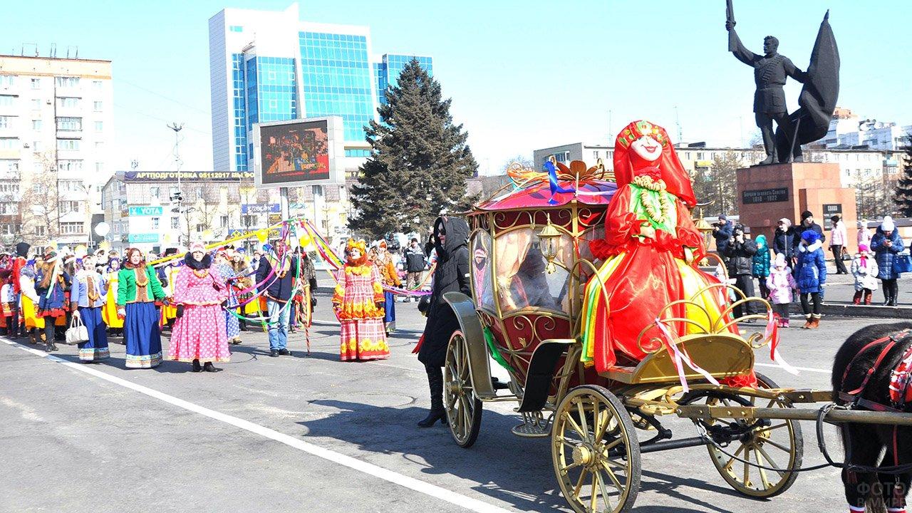 Городской парад на Широкую Масленицу в Уссурийске