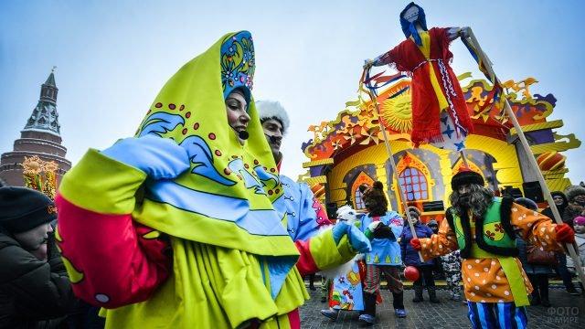 Скоморохи и ряженые на Широкой Масленице в Москве