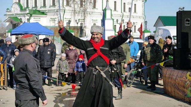 Выступление казаков на Пасхе в Тюмени