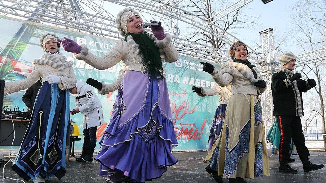 Выступление на сцене Хабаровского пасхального фестиваля