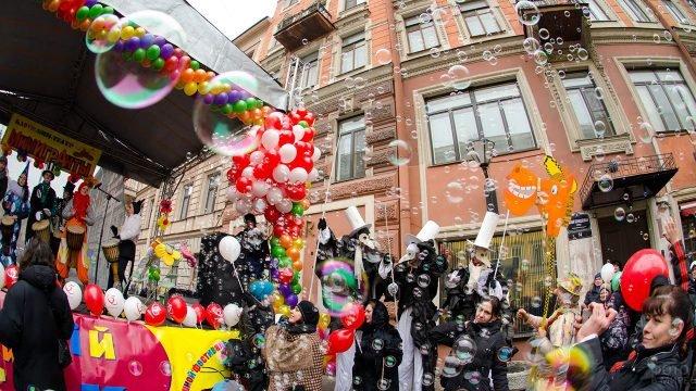 Первоапрельский парад смеха в Петербурге