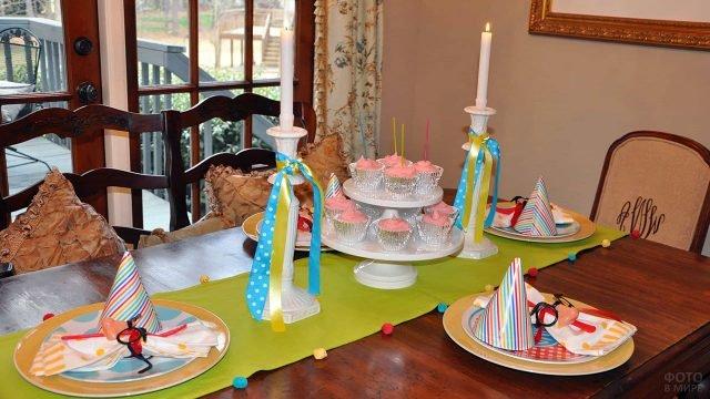 Сервировка стола для домашней вечеринки 1 апреля