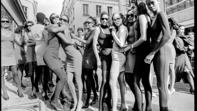 Модели на Неделе моды в Париже 1987 года