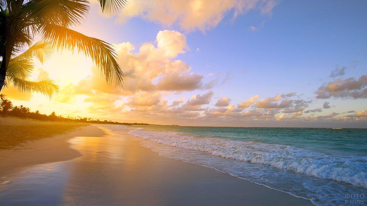 Рассвет над пляжем Пхукета