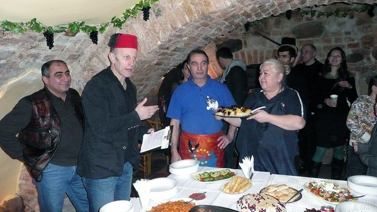 Открытие ресторана домашней кухни в старом подвале Вильнюса