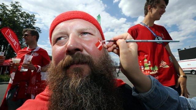 Бородатый датский болельщик на ЧМ по футболу в Москве