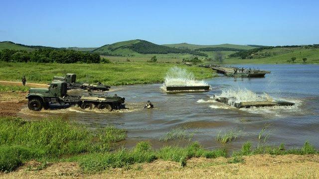 Командно-штабные учения Инженерных войск по возведению понтонного моста