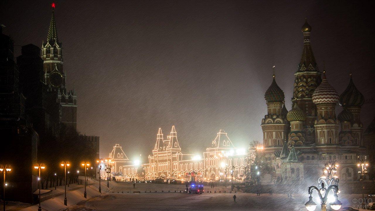 Пасмурный рождественский сочельник на Красной площади