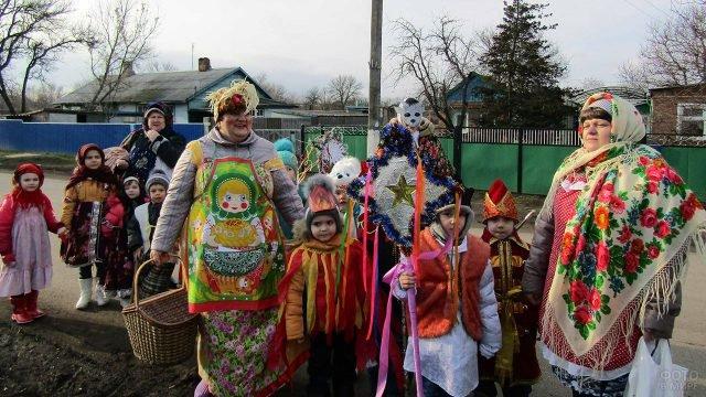 Рождественские колядки в деревне Ростовской области