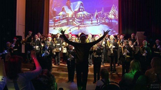 Рождественский концерт в московской школе