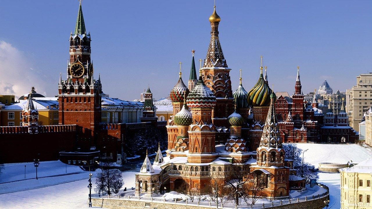 Ясное зимнее утро над Красной площадью