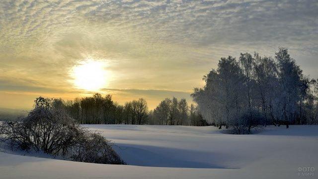Утро над заснеженной степью