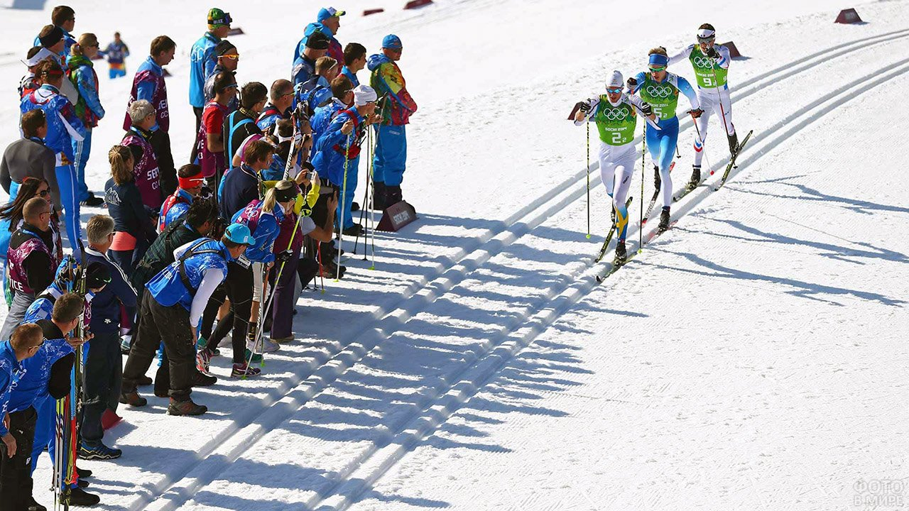 Участницы лыжной гонки в Сочи-2014