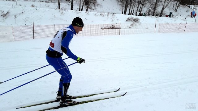 Участник лыжных гонок