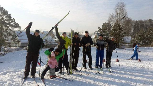 Участники массового забега на лыжах под Новокузнецком