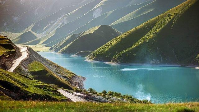 Горное озеро в Чечне