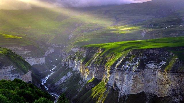 Горный пейзаж в Чечне