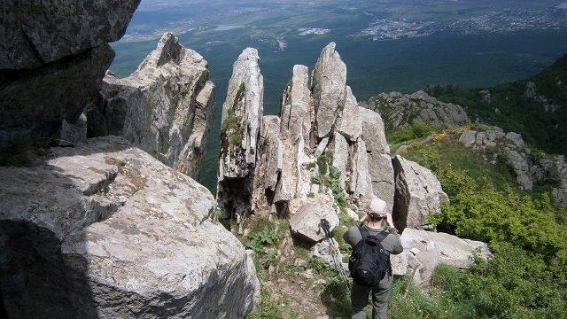 Турист на горе Бештау под Пятигорском
