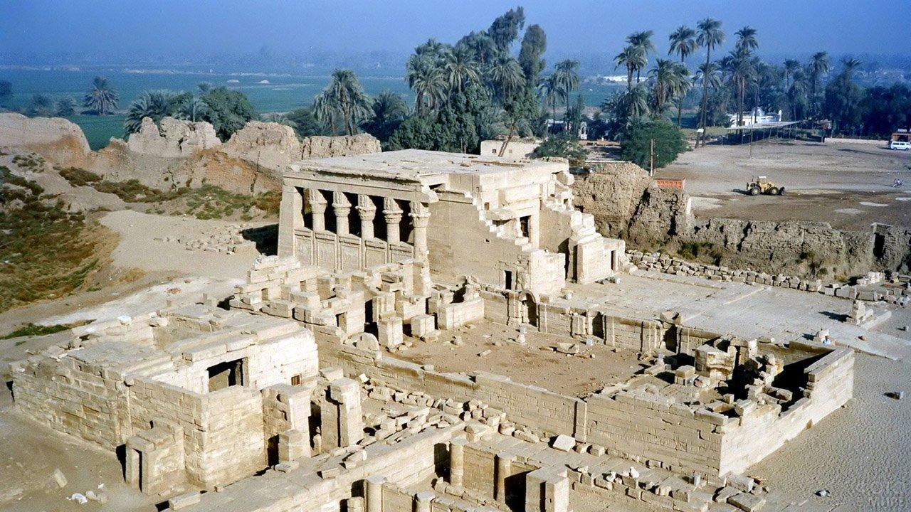 Аэросъёмка храма Хатхор в Луксоре