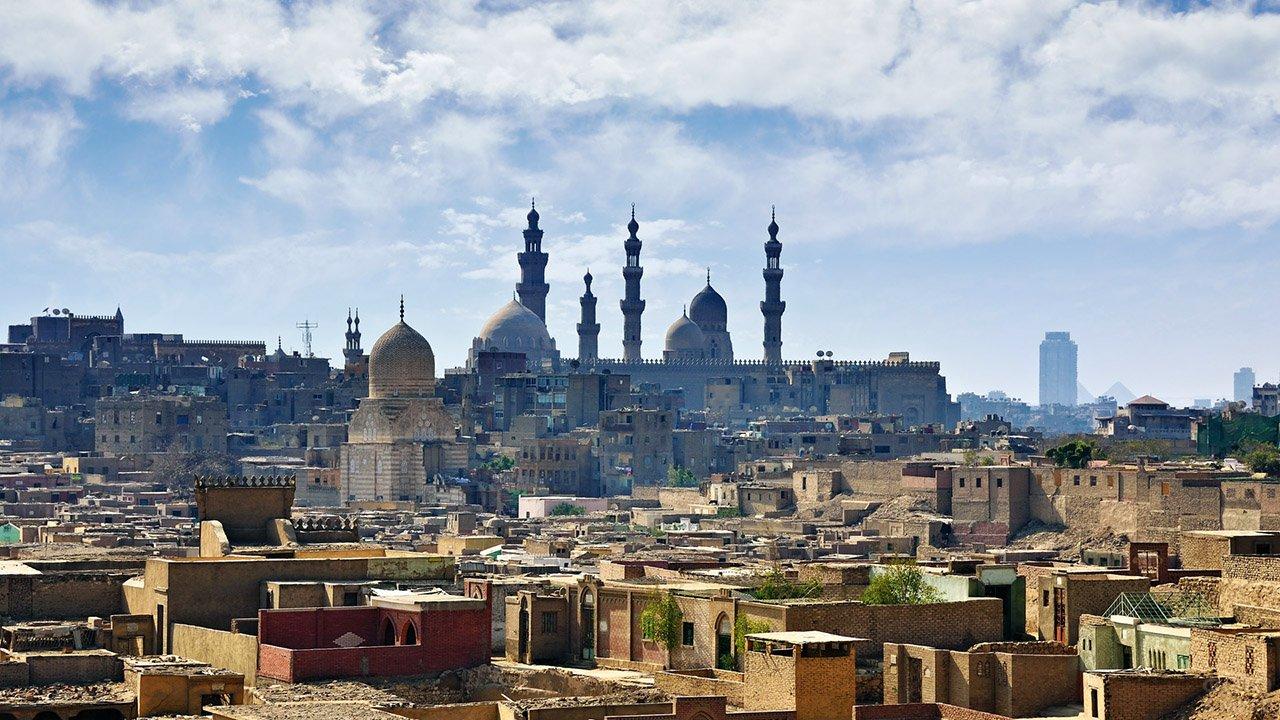Панорама старого города в центре в Каира