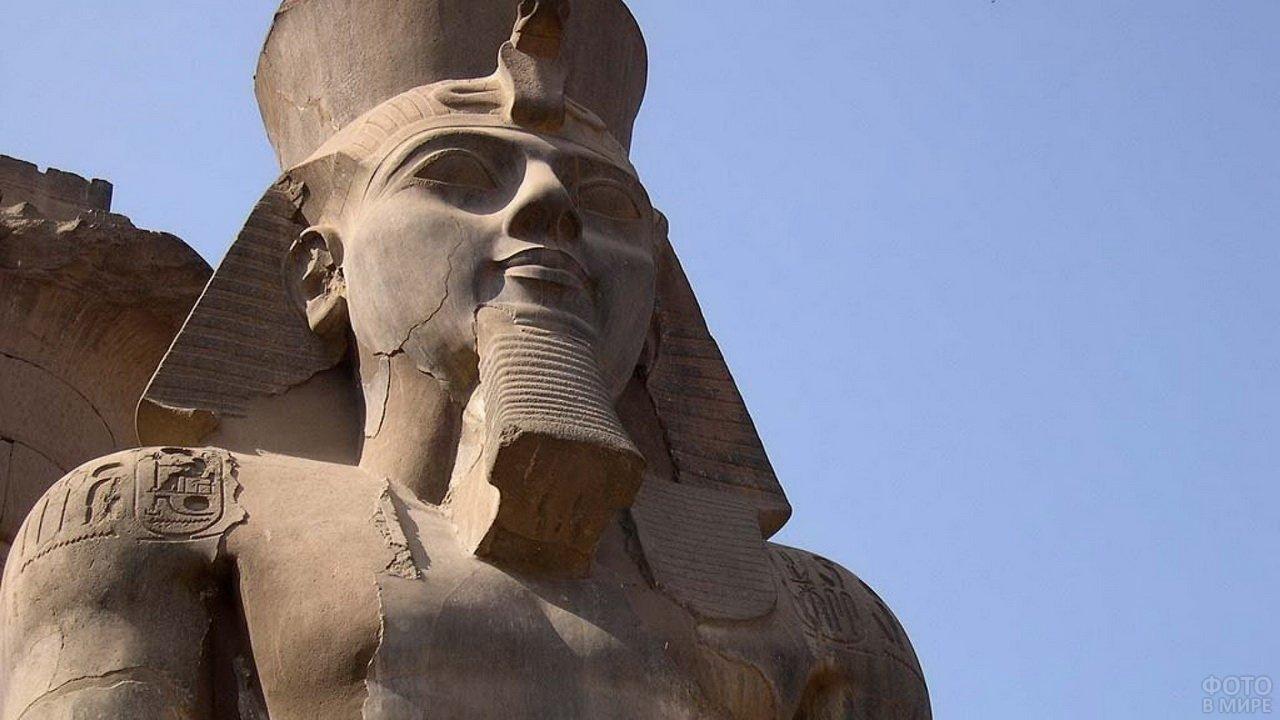 Скульптурный памятник Древнего Египта