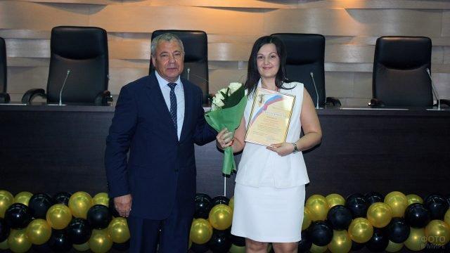 Поздравление с 8 марта сотрудниц Красноярского арбитражного суда