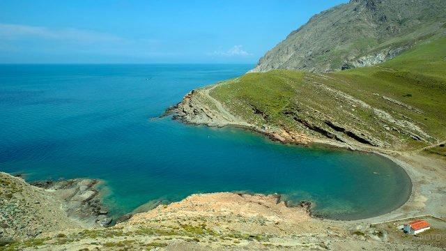 Пейзаж на острове Гёкчеада в Турции