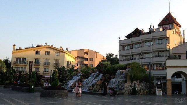 Отели на площади в Мармарисе