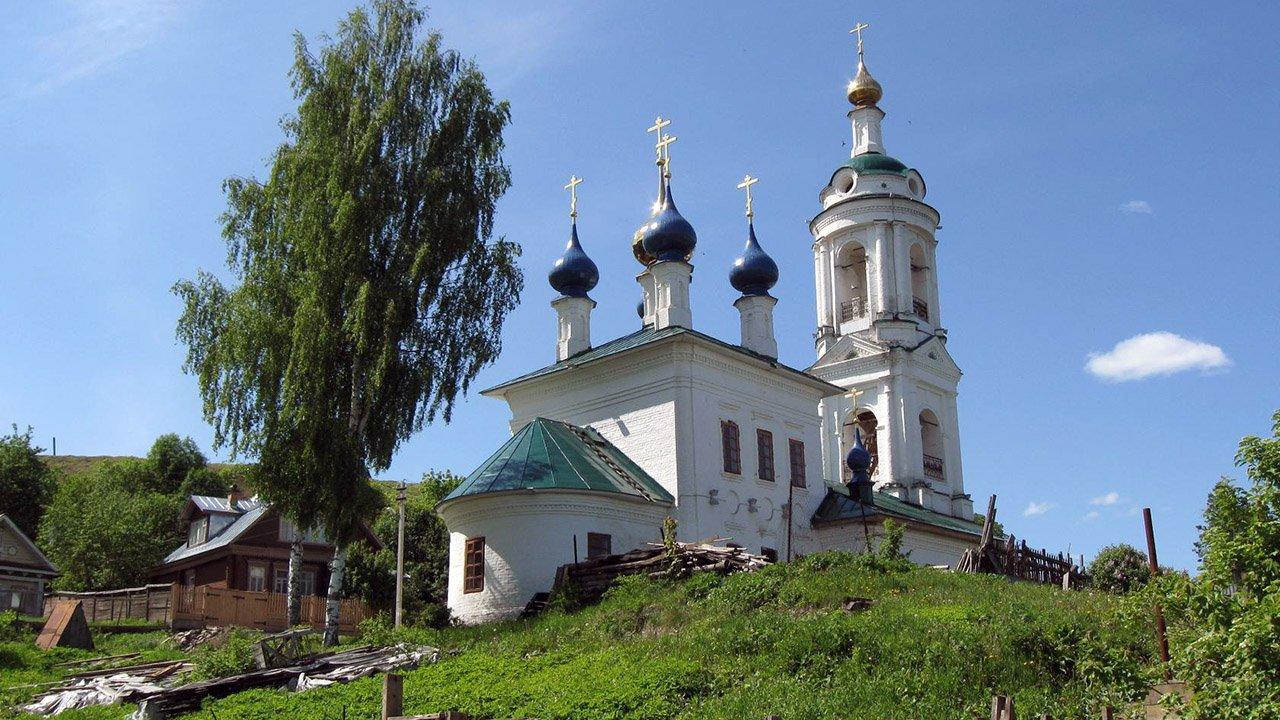 Церковь Святой Варвары в городе Плёс