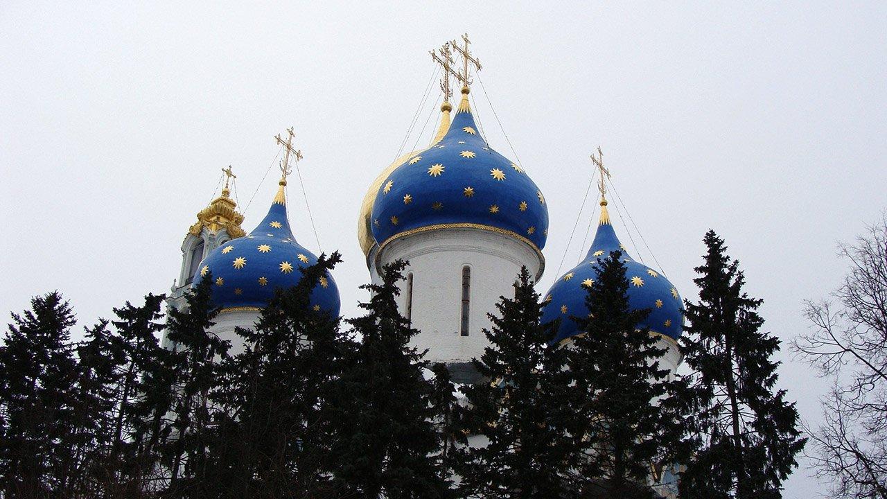 Купола Успенского собора Сергиевом Посаде