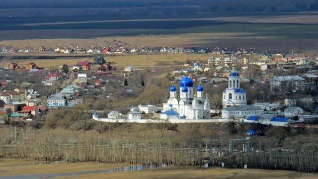 Панорама Боголюбово с видом на женский монастырь с высоты птичьего полёта