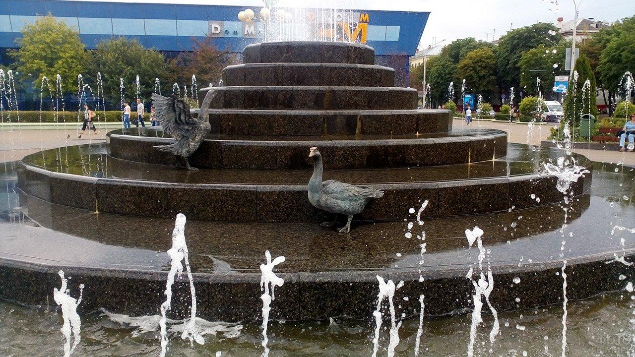 Фонтан с гусями в Минске